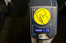 Ticket reading machine