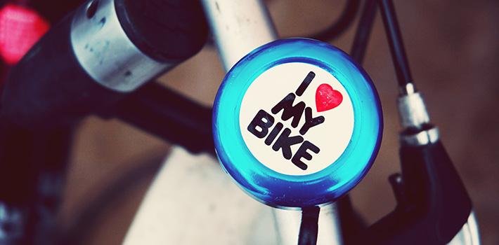 Bicycle bell on handlebars